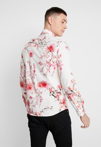 Twisted Tailor - MULLEN  - Shirt - white - 2