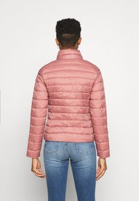 ONLY - ONLNEWTAHOE QUILTED JACKET - Light jacket - withered rose - 2
