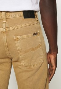 Nudie Jeans - STEADY EDDIE II - Relaxed fit jeans - desert worn - 5