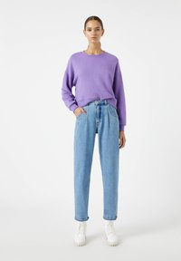 PULL&BEAR - Relaxed fit jeans - light blue - 1