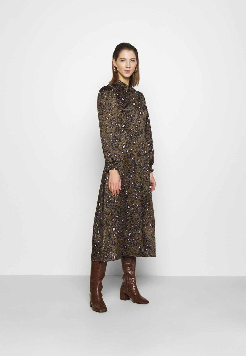 Vero Moda - VMSANDRA LILLIAN SHIRT DRESS  - Shirt dress - beech/sandra