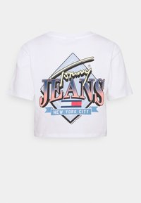 Tommy Jeans - SUPER CROP LOGO TEE - Print T-shirt - white - 1