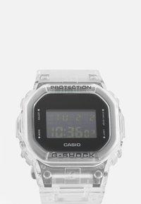 G-SHOCK - DW-5600SKE  - Digitální hodinky - transparent white - 4
