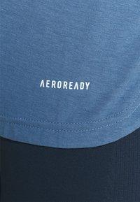 adidas Performance - T-shirt basique - blu/white - 3