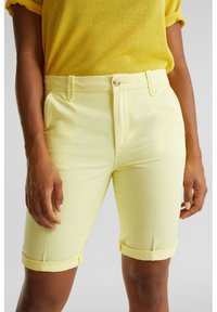 Esprit - Shorts - lime yellow - 5