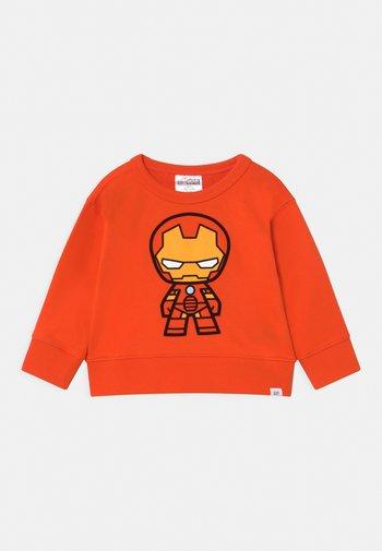 BOY CREW - Sweatshirt - orange pop