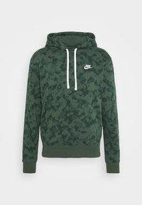 Nike Sportswear - CLUB HOODIE CAMO - Sweatshirt - galactic jade/white - 4
