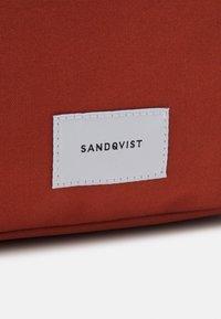Sandqvist - KNUT UNISEX - Rucksack - rust - 4