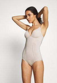 Marks & Spencer London - Body - almond - 0