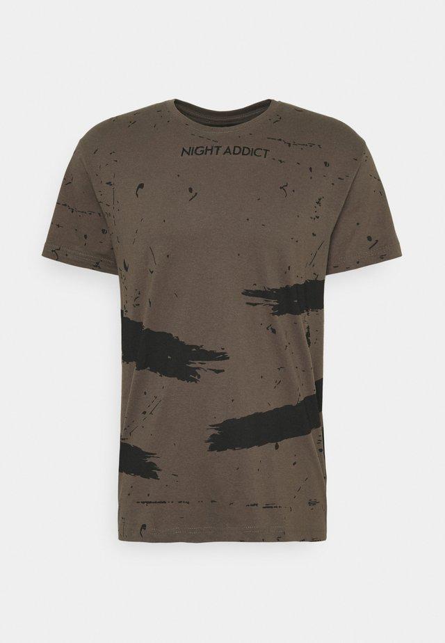 SLASH - T-shirt imprimé - khaki
