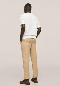 Mango - PUNTO ESTRUCTURA - Stickad tröja - blanco roto - 2