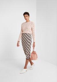 Elisabetta Franchi - Pencil skirt - nero/rosa antico - 1