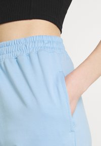 Missguided - BASIC JOGGERS 2 PACK - Tracksuit bottoms - blue bell/snow white - 5