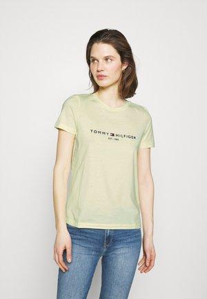 REGULAR TEE - Print T-shirt - yellow