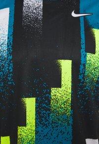 Nike Performance - DRY TOP - Print T-shirt - topaz mist/white - 2