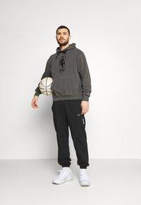 Nike Performance - NBA TEAM WASH PACK HOODIE - Sweatshirt - black - 1