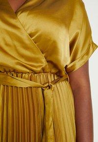 New Look Curves - GO PLEATED DRESS - Day dress - dark yellow - 5