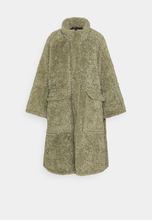 L-TAKY JACKET - Płaszcz wełniany /Płaszcz klasyczny - green