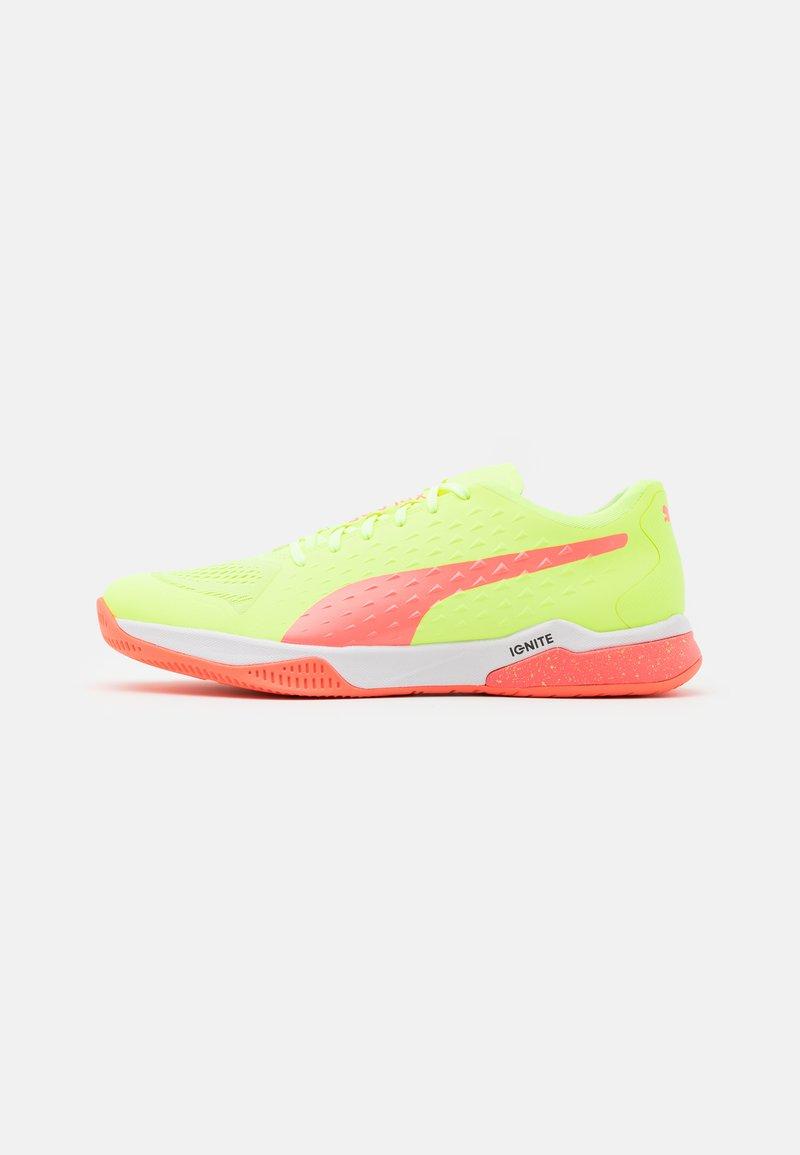 Puma - EXPLODE 1 - Handball shoes - nrgy peach/fizzy yellow