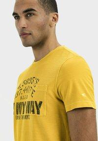 camel active - Print T-shirt - gold - 3