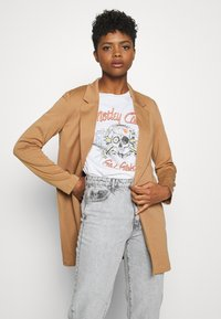 Vero Moda - VMCHLOE LONG BOO - Manteau court - tobacco brown - 0