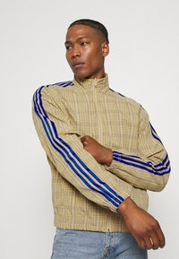 adidas Originals - UNISEX - Summer jacket - hazy beige - 3