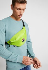 Fila - WAIST BAG SLIM - Sac banane - acid lime - 1