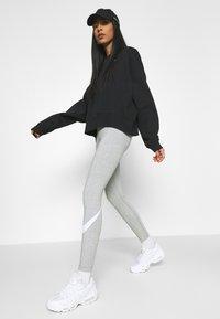 Nike Sportswear - Leggings - grey heather/white - 3