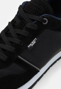 Hackett London - YORK EYELET TRAINER - Tenisky - black - 5