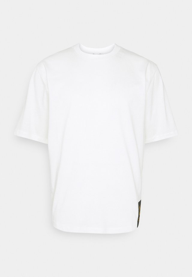 PRO - Print T-shirt - white light