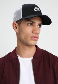 Nike Sportswear - TRUCKER - Gorra - black/white - 1