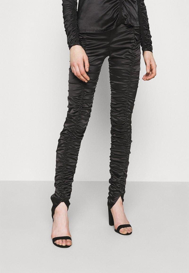 Weekday - SMOCK TROUSER - Pantalones - black