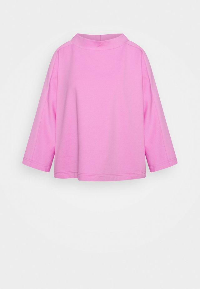 SUVIA - Sweater - cameo