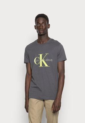 SEASONAL MONOGRAM TEE - T-shirt med print - gray pinstripe/acid lime