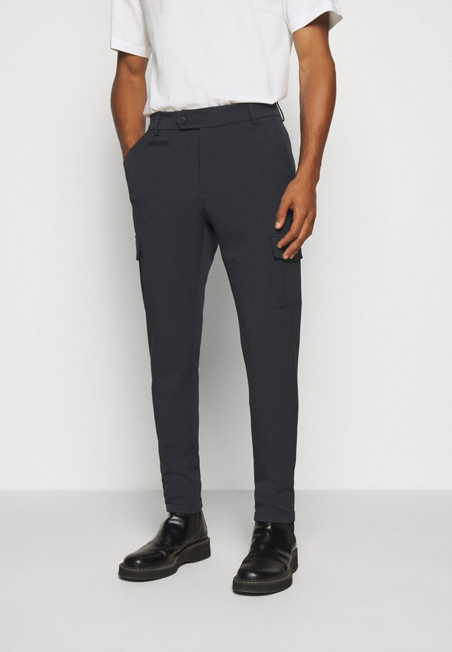COMO PANTS - Pantalon cargo - dark navy