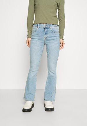 LEXY - Jeans bootcut - breeze light stone