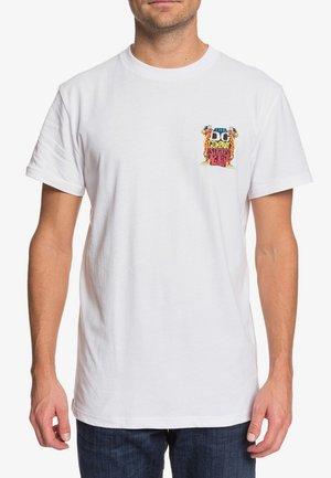 STRIKES AGAIN  - T-Shirt print - white