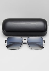 McQ Alexander McQueen - Sunglasses - black/grey - 3