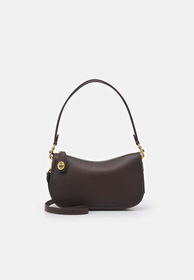 SWINGER - Håndtasker - maple