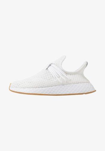 DEERUPT - Matalavartiset tennarit - footwear white