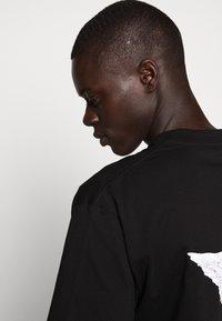 Fiorucci - TEE - Print T-shirt - black - 5