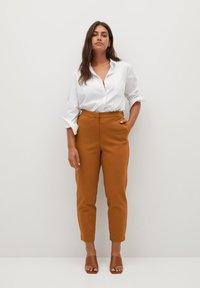 Violeta by Mango - CORE - Trousers - karamel - 1