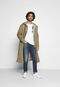 Nike Sportswear - TEE AIRMAN DJ - Triko spotiskem - white - 1