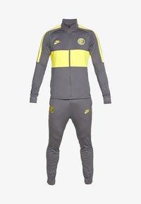 dark grey/tour yellow