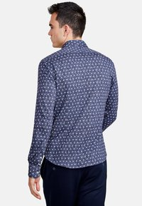 NEW IN TOWN - Shirt - blue - 2