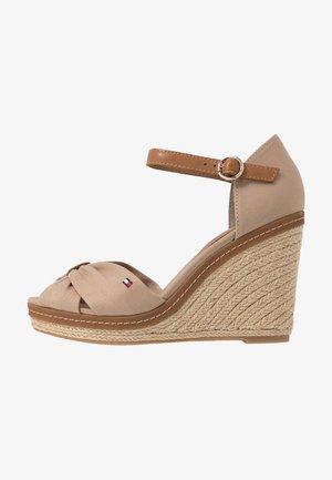 ICONIC ELENA SANDAL - Sandales à talons hauts - cobblestone
