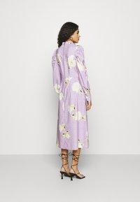 Closet - PUFF SLEEVE MIDI DRESS - Day dress - purple - 2