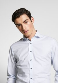 Eterna - HAI-KRAGEN SLIM FIT - Formal shirt - blue - 3