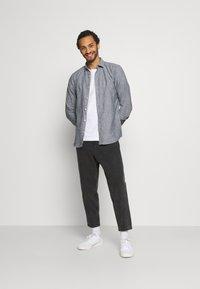 Only & Sons - ONSCAIDEN STRIPE - Shirt - mottled grey - 1