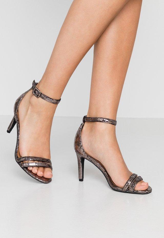 SHARI DOUBLE STRAP STILLETO - Korolliset sandaalit - metallic